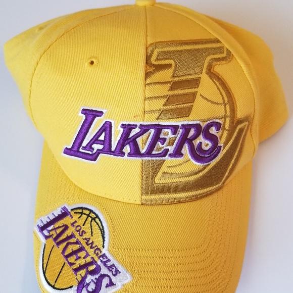 Los Angeles Lakers Kobe Cap. M 5b2c298f819e90d0df3cbede dc63ded96095